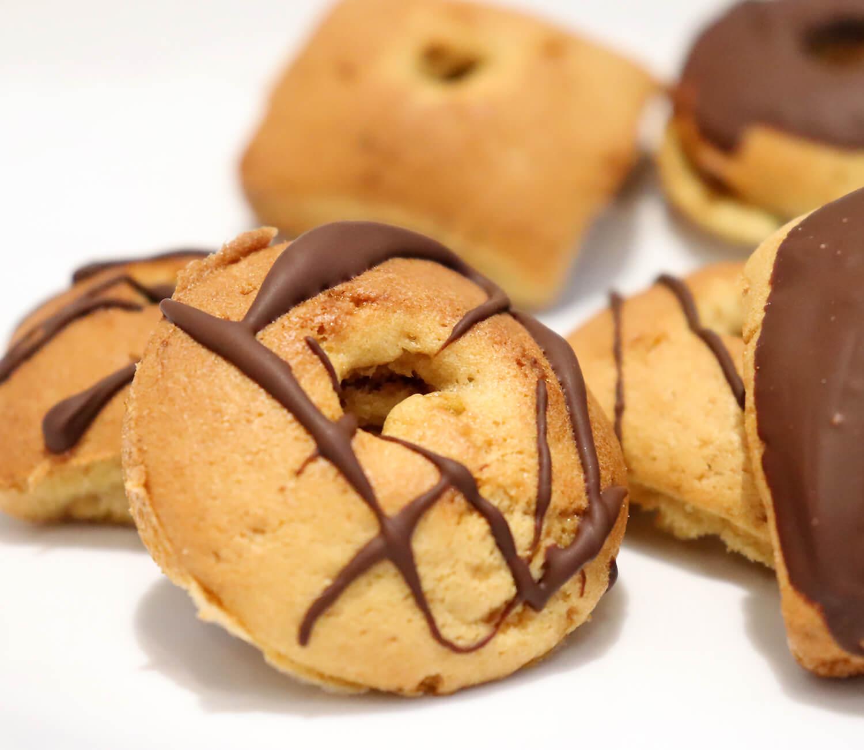 Zuckerfreie Mini-Donuts aus der Meine Backbox Januar 2021
